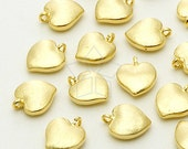 PD-674-GD / 4 Pcs - Tiny Brushed Heart Charm Pendant, Gold  Plated over Brass / 7mm x 9mm