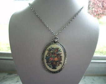 Coventry Floral Bouquet Necklace