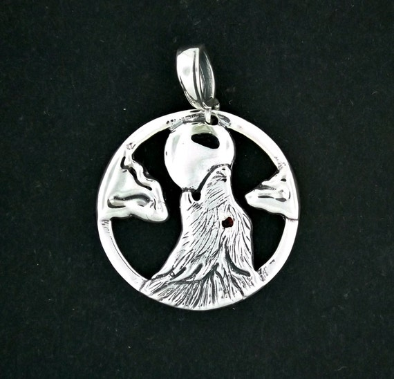 Howling Wolf Pendant in Sterling Silver