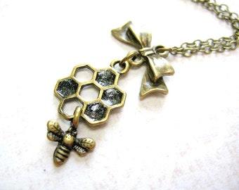 Honey Bee Necklace,Honeycomb Necklace,Bee Necklace,Bumble Bee Necklace,Bee Charm Necklace,Insect Jewelry,Bee Pendant Jewelry