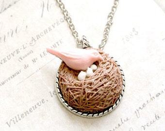 Bird Nest Pendant Necklace, Mom and baby Bird Necklace, Bird Jewelry, Mother Bird Necklace, Bires Nest Necklace, Family Bird Necklace