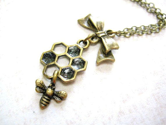 Honey Bee Necklace,Honeycomb Necklace,Bee Necklace,Bumble Bee Necklace,Bee Charm Necklace,Insect Jewelry,Bee Pendant Jewelry