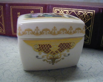 Royal Worcester Bone China Box - Small Bone China Box - Intricate Detail - England - Ring Box - Treasure Box - Trinket Box - Gilding
