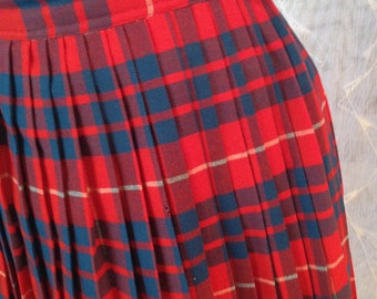 60s Vintage Knife Pleat Plaid Skirt Bright Red Plaid Size 10