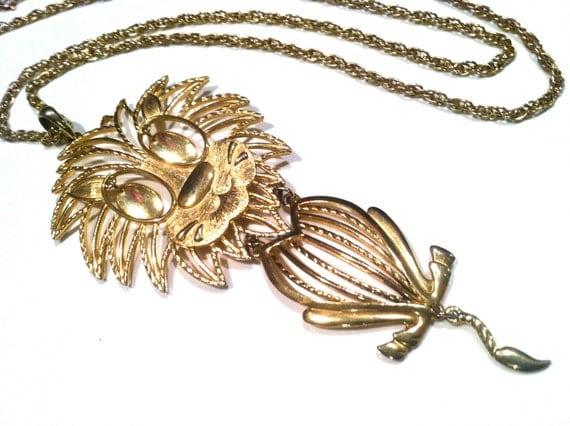 ALAN Lion Novelty pendant Hallmarked Signed Marked Golden Chain Vintage Jewelry Book Collectible Necklace artedellamoda talkingfashion
