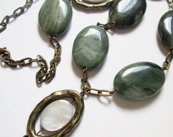 Green Agate, Mother of Pearl and Brass Necklace, Handmade Jewelry, Handmade Necklace