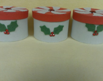 Peppermint and Holly Gift box