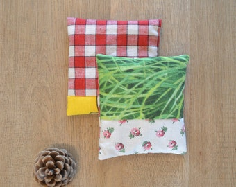 SALE - lavender sachets - rustic farm home decor - hostess gift - gingham yellow floral green - pure lavender - lavender pillow