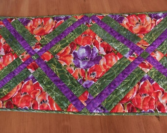 "Quilted Table Runner ""Tulip Garden""  in Fern Green, Lavender, Scarlet and Tangerine"