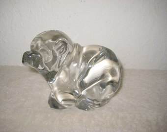 Vintage glass bear paperweight