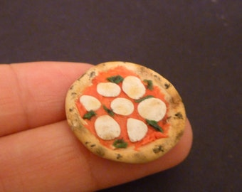Miniature Dollhouse Neapolitan Margherita Pizza
