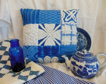 """Gorgeous Vintage BLUE & WHITE Chenille Patchwork Country Cottage Garden Pillow * 16.5"""" x 17"""" * Ocean Blue * Beach Decor * Calm and Cool"""