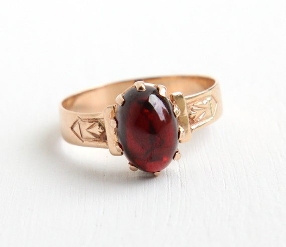 antique 10k gold garnet cabochon ring 1800s