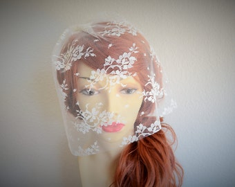 MADE TO ORDER, Ivory Lace Birdcage veil, Petite Lace Veil ,Ivory lace Veil, Vintage Veil, Lace veil, Chantilly Lace veil, 12 in,Style VB016