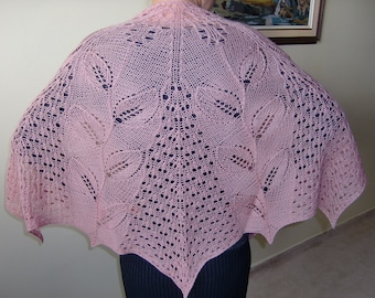 In Spring Shawl, Half Circle