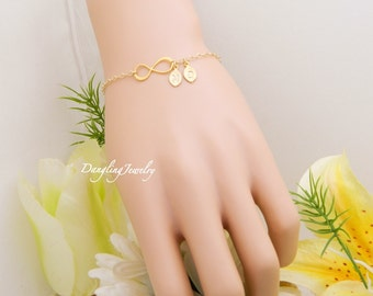 Mother Initial Bracelet, TWO Monogram Couple Bracelet, Personalized GOLD infinity Bracelet, Best Friends Jewelry, Sister Bracelet, for her