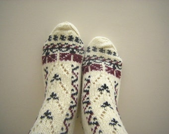 Organic Wool Socks,100 % Natural Organic Wool - Autumn Winter Comfort Women,Hand Knitted Women's Size 7.5 to 10.5