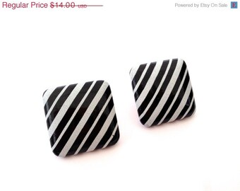 Black and white striped earrings  - Vintage 1980s Earrings