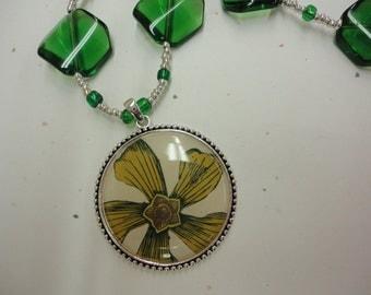 Antiqued Flower Pendant Necklace