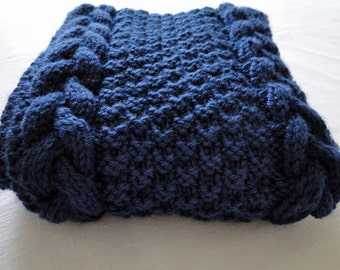 Men's, Women's Cabled Scarf in Blue