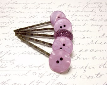 Vintage Lilac and Lavender Button Bobby Pins. Rustic Wedding Hair Accessories. Purple Button Hair Pins. Set of 5.