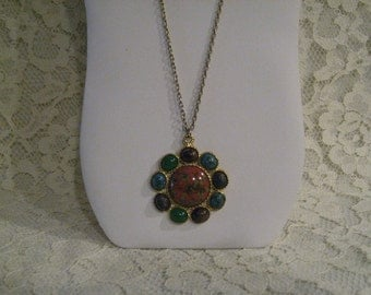 BEAUTIFUL COLORED STONES 1970s Necklace - Very European Looking
