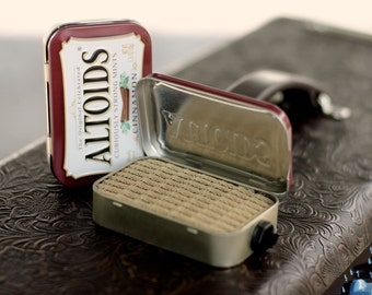 Portable Mint Tin Amp and Speaker for Electric Guitar- Altoids Burgundy/Tweed handmade gifts for guitar players