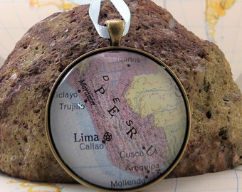 Peru Map Christmas Ornament, Keep a memory Alive / HONEYMOON Gift / Wedding Map Gift / Travel Tree Ornament / Corporate gift