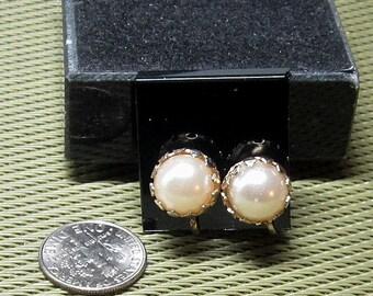 Vintage Golden Pearl Stud Earrings