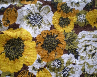 Vintage Mid Century Cotton Kitchen Towel - Yellow Spring Flowers
