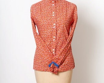 Vintage Blouse / Shirt Country / Size Medium / Red / women's blouse / 70s  / 80s  /Square Dancing / vintage top / blouse /