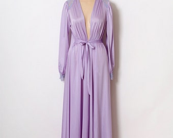 Vintage robe / 60s 70s Robe / lavender Robe / Romantic Gift For Her / Burlesque / Women's Long Sleeve