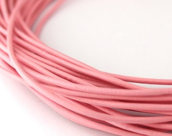 LRD0110029) 1 meter of 1.0mm Light Pink Round Leather Cord