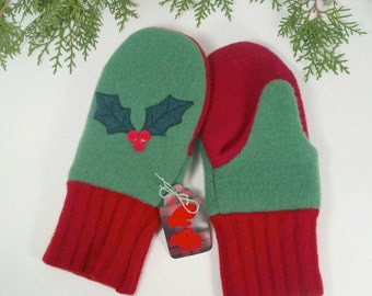 Warm, Wool, CHRISTMAS Mittens. Kid size.  Holly leaves, berries. Red and green. Fleece lined.