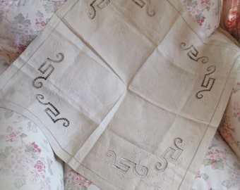 Antique Vintage Linen Tablecloth Embroidered Cutwork Creamy Latte Brown Tan S23