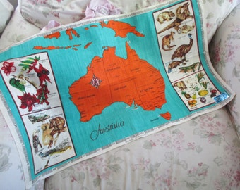 Vintage Printed Souvenir Kitchen Towel - AUSTRALIA Linen Map Flowers Animals UNUSED Q132