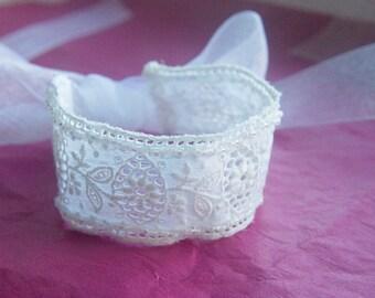 white antique lace wrist wrap