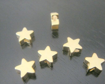Matte Gold Tarnish Resistant Small Star disk Pendant, Connectors, Earring Findings, 2 pc, S511049