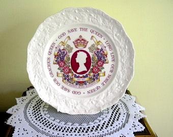 Vintage Queen Elizabeth ll Silver Jubilee Plate 1952-1977 Mason's Ironstone Commemorative