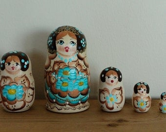 Blue Babushka Matryoshka Nesting doll russian babushka dolls set of 5