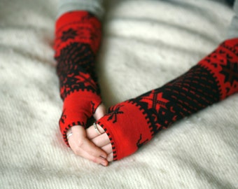 Red Deer ornament Arm Warmers / Fingerless Gloves for Christmas, winter