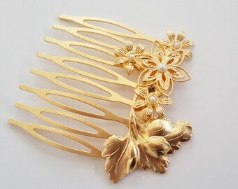 Hair Accessories - Bridal Hair Comb - Bridal Hair Accessories - Wedding Hair Jewelry - Wedding Hair Comb - Floral Hair Comb - Gold and pearl