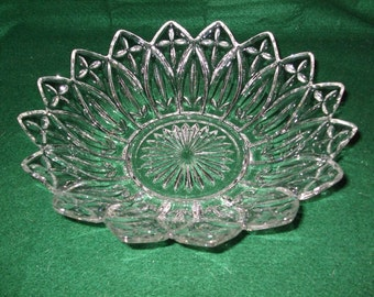"Vintage Federal Glass Pressed Glass Bowls ""Petal"""