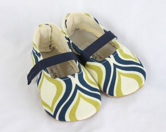 RETRO GEOMETRIC-Cream, Blue, Navy, Green, Lime, Nautical Girl Soft Soled Shoes Baby Booties