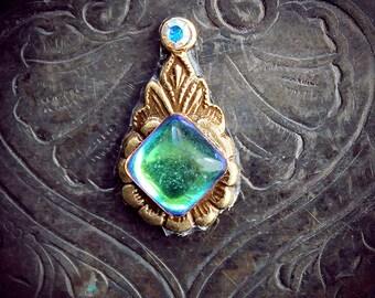 Rhea Bindi, iridescent glass, antique brass, bellydance costume, tribal fusion, forhead jewelry, goddess, third eye, fantasy jewelry, wicca