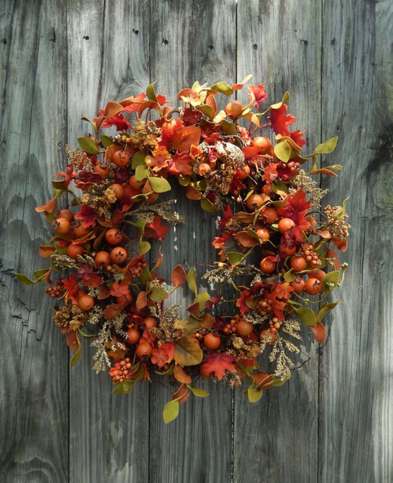 Fall Wreath - Autumn Wreath , Front Door Wreath - Outdoor Wreath , Pip Berries