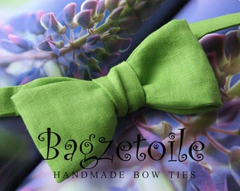 Bow Tie and Pocket Square - green linen - freestyle bowtie, adjustable - just for men - Maker of  mens bowties