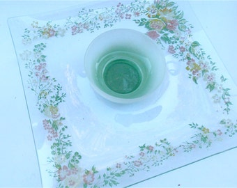 Vintage Floral Chip Dip Glass Square Serving Tray Bowl Mauve Yellow Green Flowers Appetizer Relish Dish Nut Candy Platter Veggie Salsa Plate