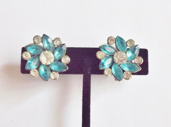 Vintage Clip on Earrings Teal and Clear Crystals Bridal Party Jewelry Wedding Jewellry Prom Special Occasion Gift for Her Birthday Christmas