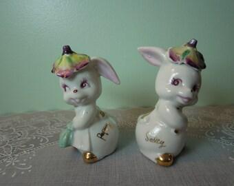Vintage Salt & Pepper Shakers: Bunny Salt Pepper Shaker Set